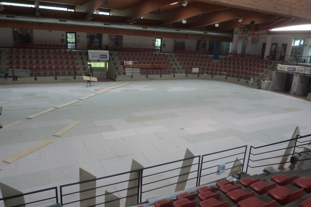The gaming floor of the sports hall of Seveso ready for the new installation of sports flooring Dalla Riva Sportfloors